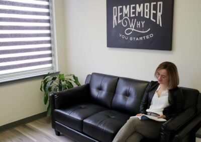 Coworking Couch Taylor - Innovation Guelph